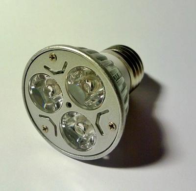 Superkirkas 3:n ledin lamppu E27 kantaan